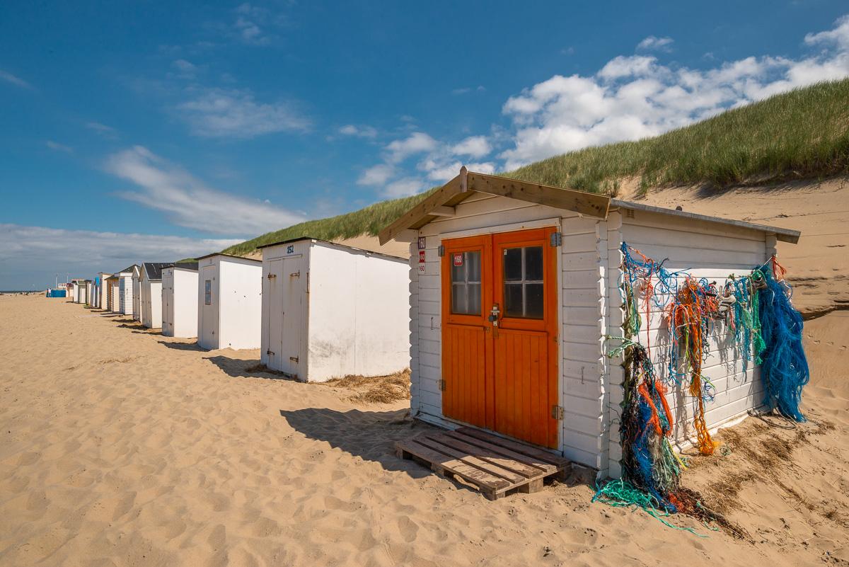 Buntes Strandhäuschen auf Texel