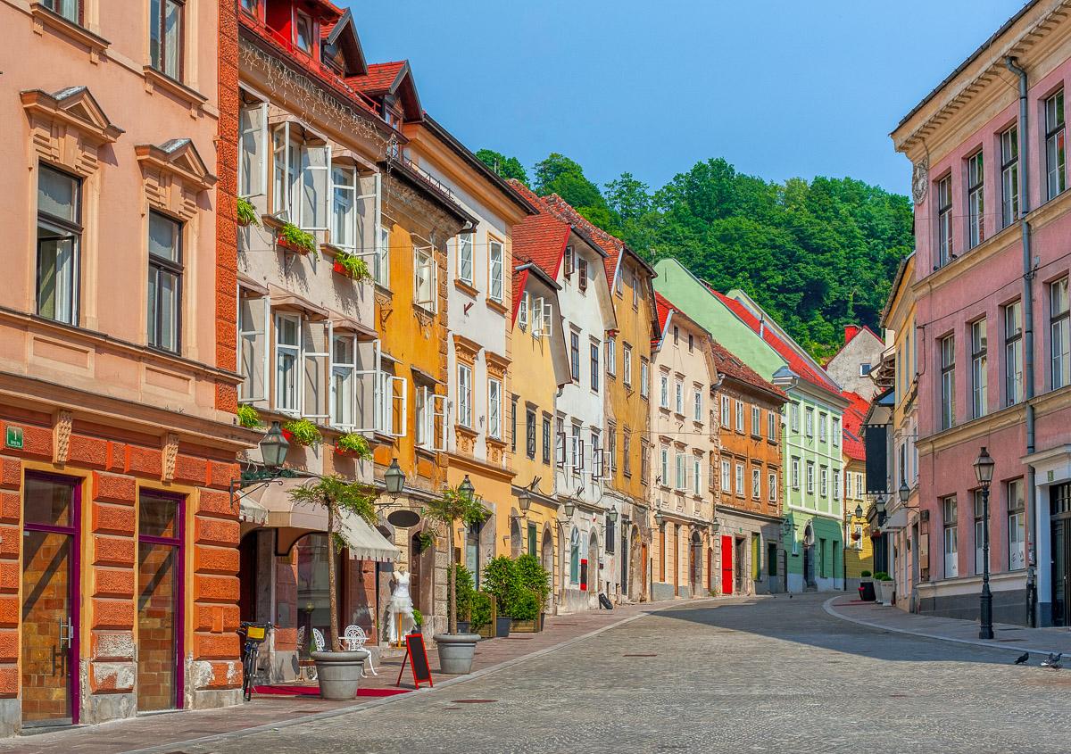 Bunte Häuserfront in Ljubljana