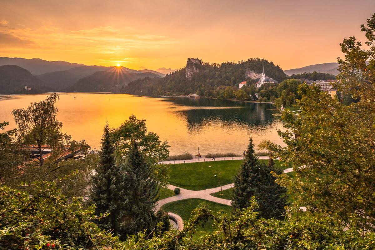 Bleder See in Slowenien beim Sonnenuntergang